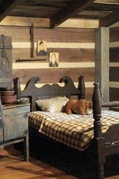 Like everything about this room but would rather have an old iron bed. #PrimitiveBedroom