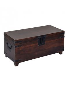 Trunk Makeover, Wood Online, Wooden Trunks, Vintage Trunks, Blanket Box, Antique Boxes, Wood Crafts, Wood Projects, Diy Home Decor