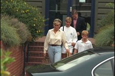 2 sep 1996 DIANA & HER SONS LEAVING THE HARBOUR CLUB IN LONDON