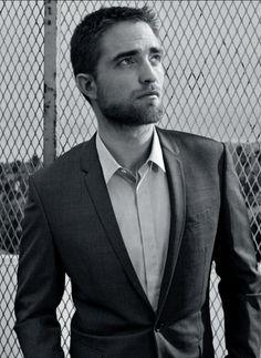Beautiful NEW Robert Pattinson Pics For Dior Homme & Great Interview In Harpers Bazaar (Arabia) Robert Pattinson Dior, Edward Pattinson, Saga Twilight, Beautiful Men, Beautiful People, Pretty People, Bae, Robert Douglas, Celebs