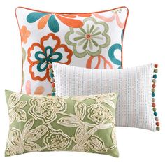 Set of three cotton throw pillows.   Product: 3 Piece pillow setConstruction Material: Cotton and polyester