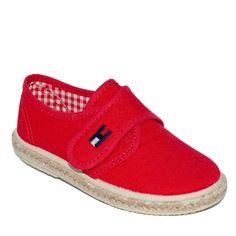 2c46381d Zapato piqué rojo para niño de Vul-Peques. Adrielsmoda · Calzado Infantil
