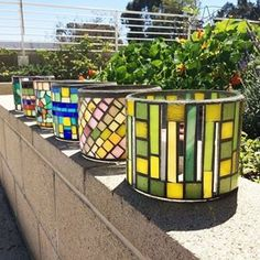 These centerpiece vases were part of a commission from Universal for their annual golf tournament, which benefits the Discover a Star Foundation. This foundation supports local organizations and projects that empower individuals and families to lead more productive and fulfilling lives. We are grateful to receive their support for many years through this project and many others. #EveryoneIn #SocEnt #Mosaic #commission #art #SkidRow