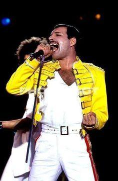 Freddie Mercury Replica Yellow Jacket Costume At Wembley