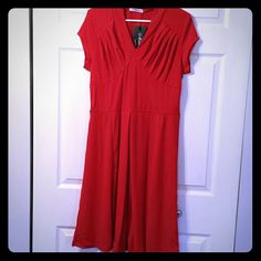 ❤Dress, Retro Style 1940's V Neck, empire waist, bottom with pleats, fit and flare.This is a wonderful dress for Valentine's Day or a Swing, Lindy Hop or Jive Dance! Fun to wear and would put you back in time. Bought a few months ago. Mixinni Dresses Midi