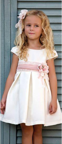 Vestido 22436, color 1202 Crudo Rosa- Talla: 1, 2, 3, 4, 5, 6, 8, 10 Colección Amaya