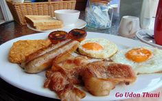 Full English breakfast at Sampan Fish & Chips in Udon Thani