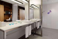 Sweet Suite Bath- Aloft Munich