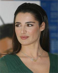 Luisa Ranieri, i beauty look di una madrina - VanityFair.it