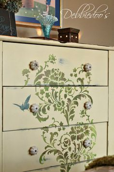 DIY Stencil : How to stencil on furniture Furniture Fix, Hand Painted Furniture, Repurposed Furniture, Furniture Projects, Furniture Making, Furniture Makeover, Antique Furniture, Modern Furniture, Furniture Design