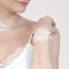 bracelet de mariage en dentelle chantilly - bijoux de mariée en dentelle
