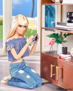 Looking for Collectible Barbie Dolls? Shop the best assortment of rare Barbie dolls and accessories for collectors right now at the official Barbie website! Models Men, High Fashion Models, Fashion Model Poses, Barbie Life, Barbie World, Runway Fashion, Street Fashion, Women's Fashion, Fashion Model Drawing