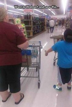 When this mother handcuffed her kid to a shopping cart.