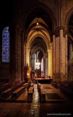 Cathédrale Notre-Dame de Chartres, France *