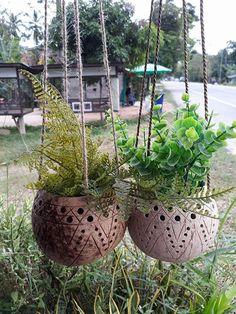2 Pcs handicraft Coconut Shell Hanging Pot Planter hanging