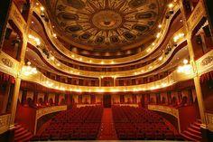 Interior del Teatro Municipal de Gerona.