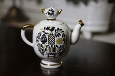 Liten Tekanna från Ryska Lomonosov - La Reine Inredningar