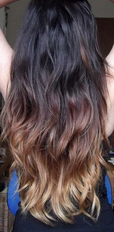 DIY ombre hair just use lemom and have ur hair in the sun for about 10 min.Wash it And then u will have ombre hair Coiffure Tye And Dye, Summer Hairstyles, Pretty Hairstyles, Hair Inspo, Hair Inspiration, Diy Ombre Hair, Natural Hair Styles, Long Hair Styles, Balayage Hair