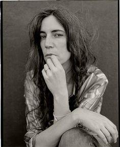 Patti Smith Robert Mapplethorpe, Just Kids, Annie Leibovitz, Joan Jett, Gelatin Silver Print, Music Film, Iconic Women, American Singers, Bob Marley