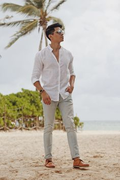 100 modern men's fashion styles that make you cooler – page 1 Beach Wedding Men Outfit, Beach Formal, Modern Mens Fashion, Formal Men Outfit, Man Dressing Style, Cocktail Attire, Stylish Mens Outfits, Men Beach, Man Style