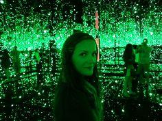 light installation art exhibit