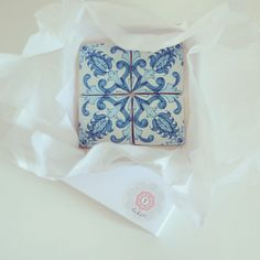 Delivering traditional portuguese tile cookies today, to welcome wedding guests…