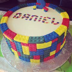 Lego Legocake Birthdaycake Cake Customcake Cakeroyale Cakeroyalecafe Cakeroyalekids Streetsville Mississauga Instacool