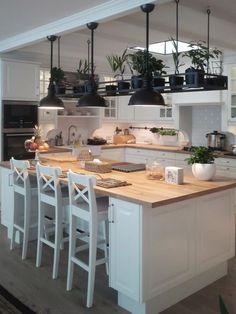 Apartament Warszawa : styl translation missing: pl. Kitchen Room Design, Home Decor Kitchen, Kitchen Interior, New Kitchen, Home Kitchens, Kitchen Dining, Classic Home Decor, Küchen Design, Kitchen Remodel