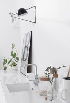 all white kitchen // Kitchen Wall Art, Kitchen Dining, Kitchen Decor, Kitchen Styling, Welcome To My House, All White Kitchen, Interior Decorating, Interior Design, Decoration Table