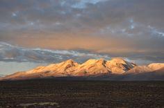 Když ráno projíždíte pampou, můžete zahlédnout překásné vrcholky sopek