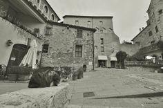 San Casciano dei Bagni. - Taken in San Casciano dei Bagni. (Toscana, Italia). (Monochrome Bandicoot filter from PhotoScape Editor). (October 2016)