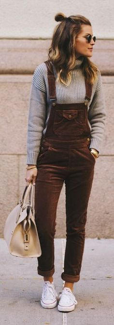 Women's fashion | Turtle neck sweater, brown overall and sneakers
