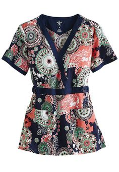 Med Couture Scrubs blend fashion and function, featuring form-fitting materials and extra pockets. Order these amazing scrubs online from Scrubs and Beyond! Cute Nursing Scrubs, Cute Scrubs, Nursing Clothes, Scrubs Uniform, Spa Uniform, Med Couture Scrubs, Stylish Scrubs, Scrub Tops, Gowns