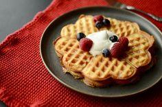 keto waffles with almond flour Keto Waffle, Waffle Recipes, Waffle Mix, Vanilla Bean Frosting, Waffles, Marinated Tomatoes, Pork Roast Recipes, Make Banana Bread, Homemade Tomato Sauce