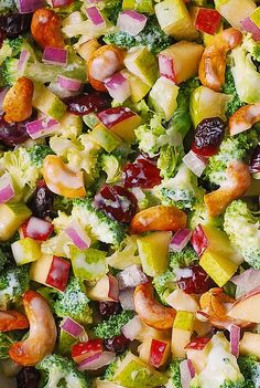 Winter Salad: Broccoli Cashew Apple and Pear Salad with Cranberries and chopped red onions with the most delicious homemade salad dressing made with mayonnaise sour cream (or kefir or Greek yogurt) honey and lemon juice! Cashew Apple, Apple Pear, Vegetarian Recipes, Healthy Recipes, Healthy Meals, Apple Salad Recipes, Creamy Salad Dressing, Healthy Broccoli Salad, Pear Salad