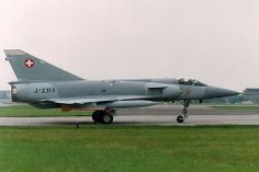 RAF Waddington Lincolnshire Swiss Air Force Detachment to use ACMI range over the North Sea Swiss Air, Old Planes, Postwar, Cold War, Military Aircraft, Evolution, Air Force, Weapons, Fighter Jets