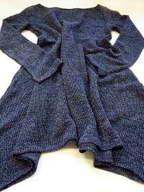 omⒶ KOPPA: Vartissa valmis - leveähelmainen trikoomekko Knit Crochet, Ruffle Blouse, Sewing, Knitting, Leather, Tops, Dresses, Crocheting, Women