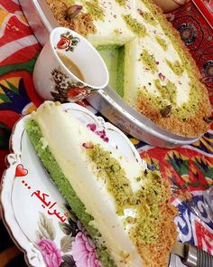 Could someone translate this? Ramadan Desserts, Easy Desserts, Delicious Desserts, Dessert Recipes, Yummy Food, Lebanese Desserts, Lebanese Recipes, Arabic Dessert, Arabic Food