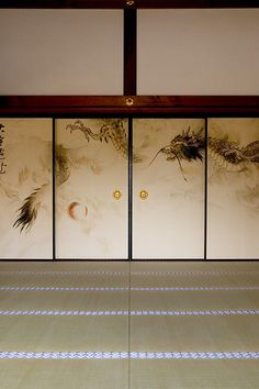 Fusuma are sliding panels that act as doors and walls. They give Japanese homes many possibilities as rooms can be dynamically reconfigured.