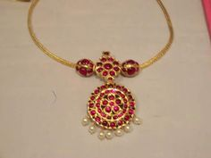 Jewelry Design Earrings, Gold Earrings Designs, Gold Jewellery Design, Necklace Designs, Girls Jewelry, Bridal Jewelry, Gold Mangalsutra Designs, Gold Jewelry Simple, Antique Gold