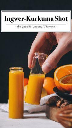 Gingembre Curcuma Shot - Les chefs sans étiquette - Donne à votre système immunitaire le coup de pied ultime. Notre shot de curcuma au gingembre est p - Healthy Smoothies, Healthy Drinks, Smoothie Recipes, Healthy Food, Drink Recipes, Healthy Detox, Easy Detox, Healthy Recipes, Health And Nutrition