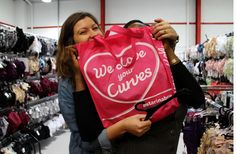 Hannah and Himare! (Photo curtesy of @Hanna) http://thewardrobechallenge.co.uk/2013/12/17/visit-to-curvy-kate-hq/