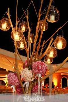 Maravillosas ideas para decorar con velas. #WeddingIdeas #ebodas