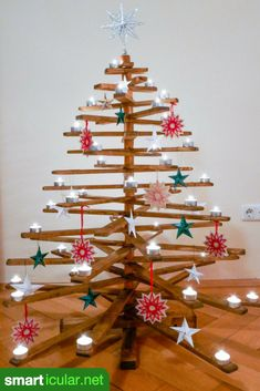 Alternative to the Christmas tree: Foldable DIY Christmas tree made of wood, Wooden Christmas Trees, Christmas Diy, Christmas Ornaments, Wood Crafts, Diy And Crafts, Wood Projects, Projects To Try, Made Of Wood, Legos
