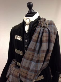 Scottish clothes from Outlander, Jamie's kilt