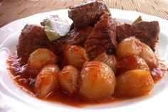 This is a really simple recipe for Beef Stifado that it's loaded in protein too. Stifado is a Greek recipe. Here's How To Make The Beef Stifado (Greek Stew). Beef Stifado Recipes, Greek Lemon Potatoes, Greek Cooking, Greek Dishes, Mediterranean Recipes, Greek Recipes, Caramelized Onions, The Best, Food And Drink