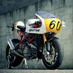 Sportiva is a killer custom motorcycle by Spanish builder, Radical Ducati. Taking a stock Ducati and transforming it into a cafe racer. Ducati 749, Ducati Cafe Racer, Inazuma Cafe Racer, Cafe Racers, Vintage Bikes, Vintage Motorcycles, Custom Motorcycles, Custom Bikes, Custom Choppers