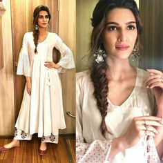 If you are looking for some new and trendy hairstyles to do, then this post is for you. Read the article and learn some amazing Kriti Sanon hairstyles. Indian Look, Indian Ethnic Wear, Indian Style, Bollywood Girls, Bollywood Fashion, Bollywood Saree, Bollywood Actress, Indian Celebrities, Bollywood Celebrities