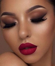 Make Up; Make Up Looks; Make Up Augen; Make Up Prom;Make Up Face; Glitter Makeup Looks, Makeup Eye Looks, Eye Makeup Tips, Cute Makeup, Gorgeous Makeup, Makeup Pics, Makeup Geek, Party Makeup Looks, Glam Makeup Look
