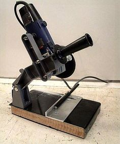 Grinder to Chop Saw Conversion - Homemade grinder to chopsaw conversion constructed from a surplus mount, wood board, and angle iron. Metal Working Tools, Metal Tools, Wood Tools, Diy Tools, Metal Projects, Welding Projects, Welding And Fabrication, 3d Cnc, Garage Tools